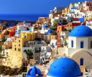 Cruise to the Santorini island